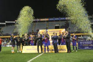 El FC Barcelona guanya la III Supercopa de Catalunya de futbol després de superar als penals el RCD Espanyol