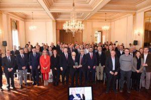 """Lliurat el Premi Especial COE 'Juan Antonio Samaranch' a Josep Lluís Vilaseca, """"el pare del model esportiu català"""""""