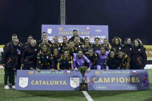 La selecció catalana femenina de futbol supera Xile a la tanda de penals