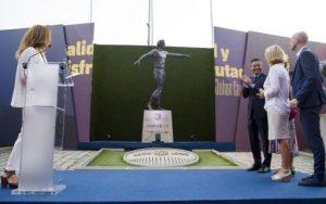 Inaugurada al Camp Nou l'estàtua d'homenatge a Johan Cruyff