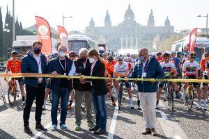 El britànic Adam Yates guanya l'edició 100 de la Volta Ciclista a Catalunya mentre que Thomas de Gendt venç en la darrera etapa a Montjuïc